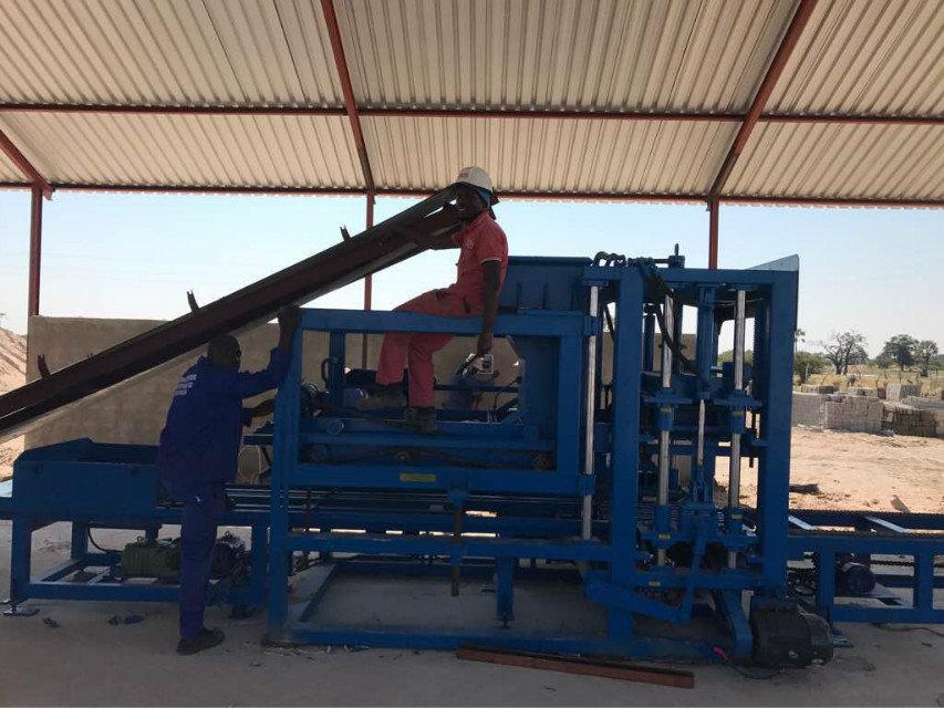 máquina del bloque del 纳米比亚 QTY6-15 en Namibia (16)