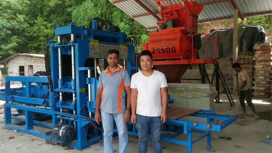 Máquina del bloque QTY4-15 en Sri Lanka (10)