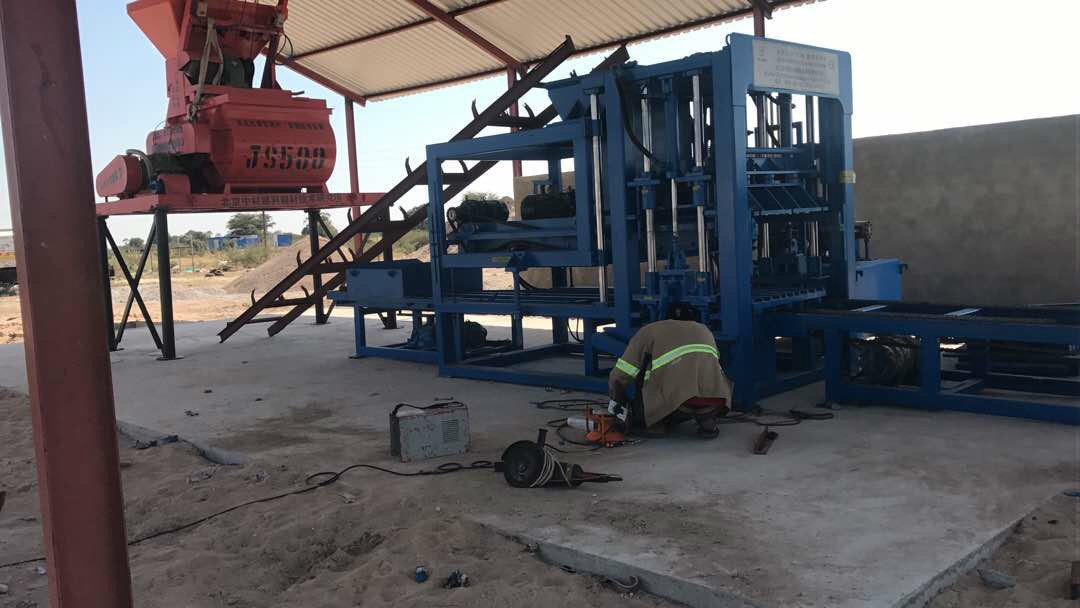 máquina del bloque del 纳米比亚 QTY6-15 en Namibia (15)